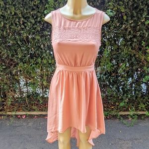 Light pink high-low dress with lace detail (S)